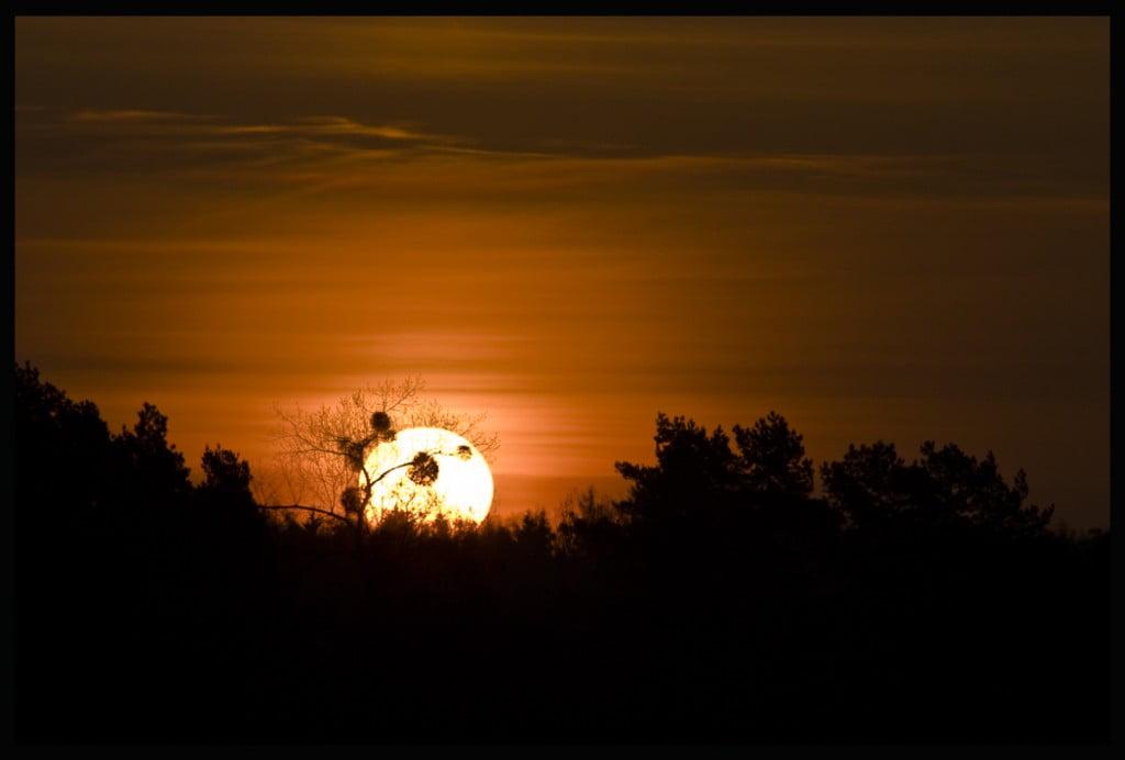 Wschód słońca nad jeziorem Czos