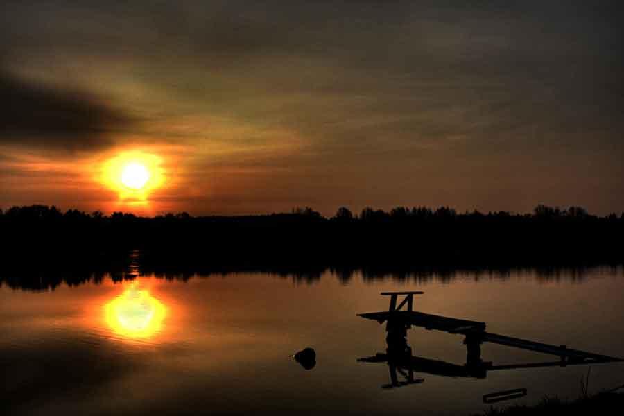 Wschod słońca nad jeziorem Czos-noclegi Mrągowo