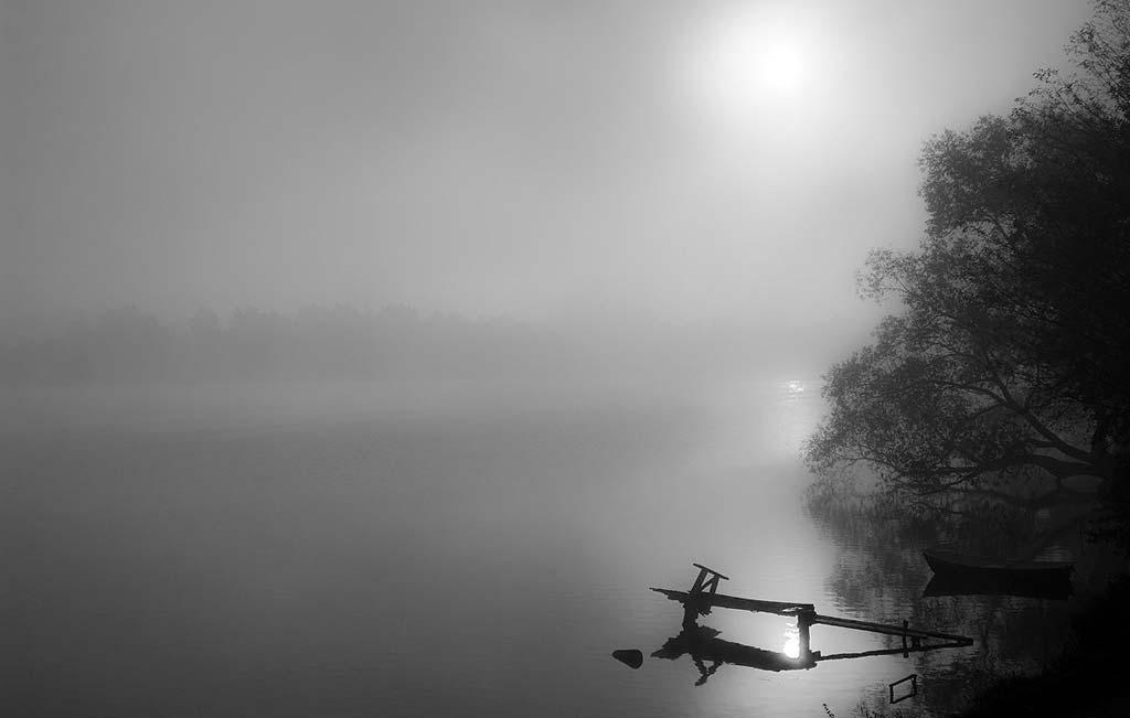 Jezioro Czos i poranna mgła